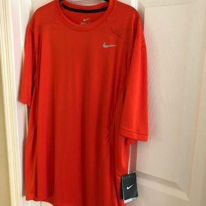 Men's Nike dryfit T shirt